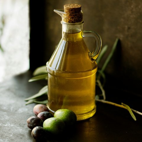 Olive oil and endocannabinoid receptors