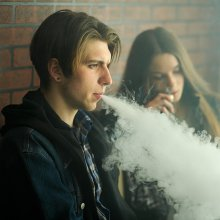 teens vaping
